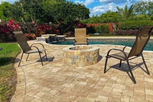 firepits-fireplaces-freshlookoutdoor-250F50C54D-94D8-2B22-3097-996C6DEC0DA1.jpg