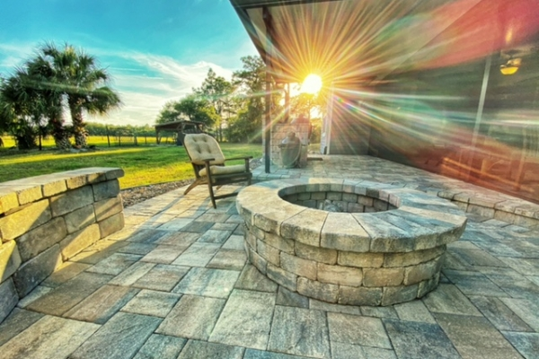 firepits-fireplaces-freshlookoutdoor-4060A6F78-E5A9-5312-4484-D1FD1FEE887F.jpg