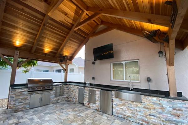 outdoor-kitchens-freshlookoutdoor-855D839A0-856D-D1AA-6FB4-A9B0A7CF3AA9.jpg