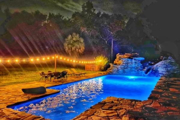 pool-decks-freshlookoutdoor-215D59C801-EE2B-DACF-B39A-3381437C601D.jpg